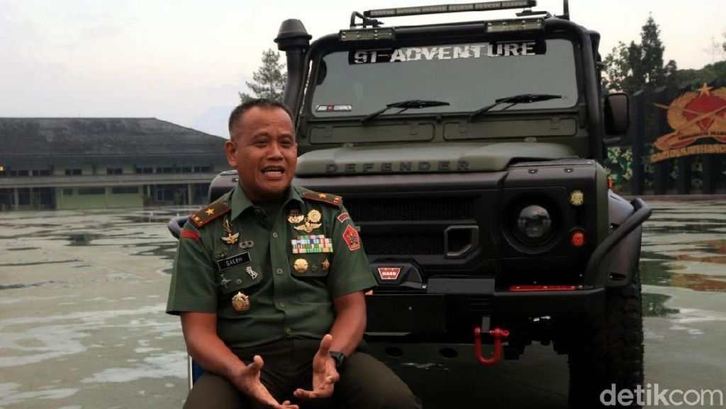 Melihat Land Rover Defender Jenderal Saleh