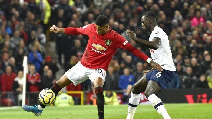Man Utd Pukul Tottenham 2-1