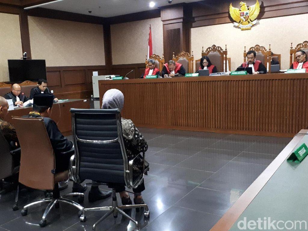 4 Eks Anggota DPRD Lampung Tengah Dituntut 5 Tahun Penjara