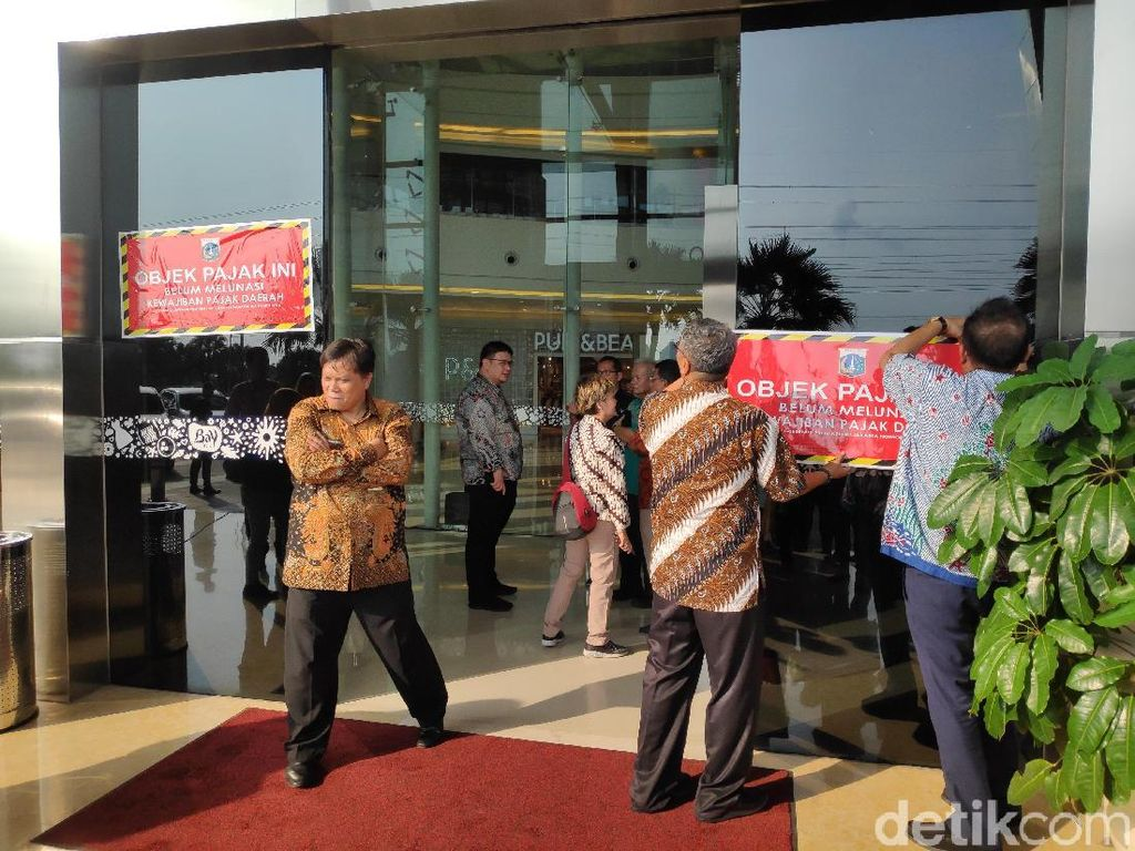 Tempel Stiker, BPRD DKI: Mal Baywalk Pluit Belum Bayar Pajak Rp 5,4 M
