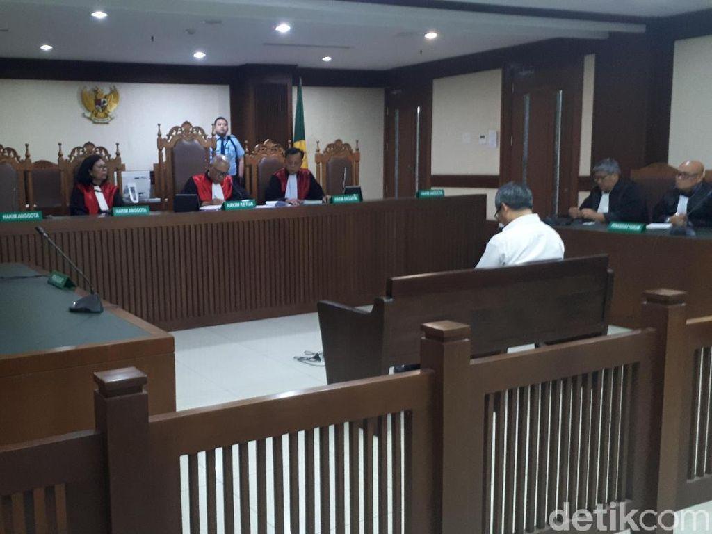 Video: Pengacara yang Pukul Hakim Saat Sidang Divonis 6 Bulan Bui