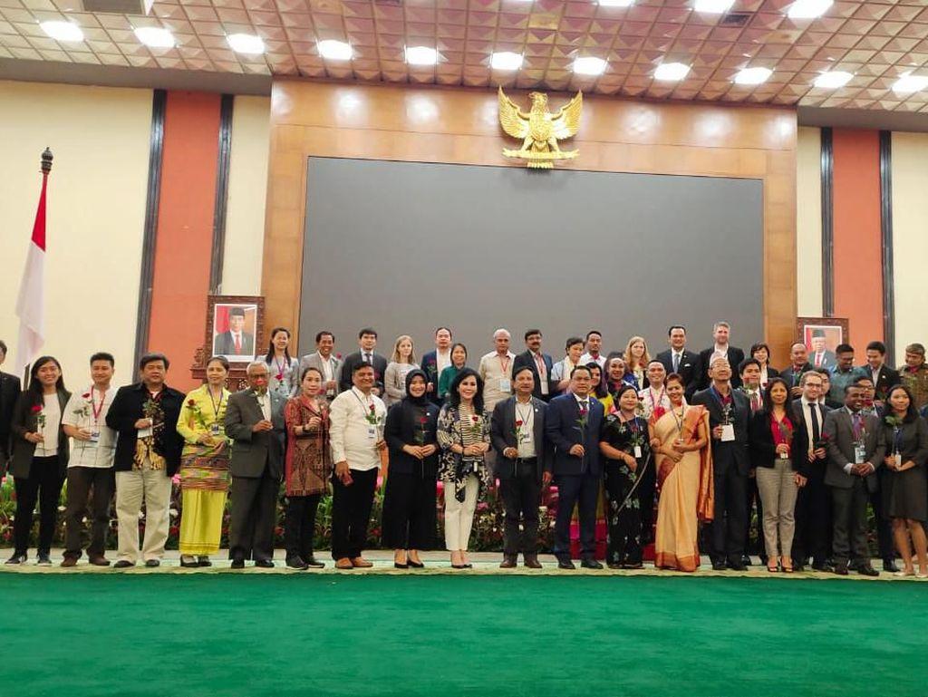 Pimpinan MPR Terima Delegasi Partai se-Asia Usai Gelar Forum Diskusi