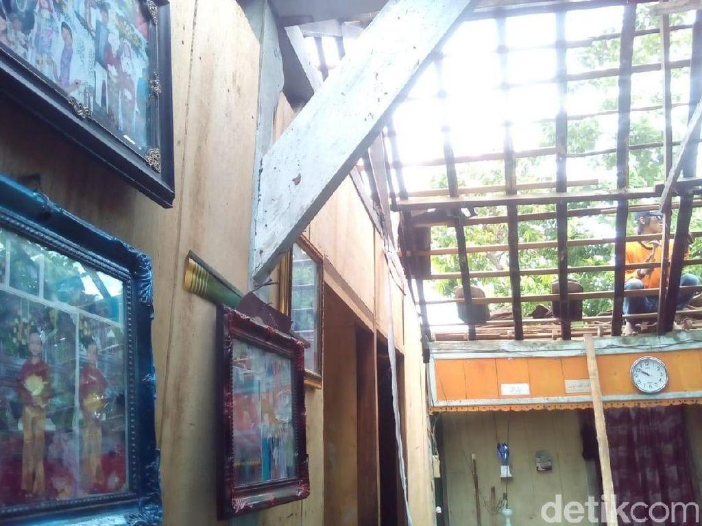 Diterjang Angin Kencang, Ratusan Rumah di Grobogan Rusak