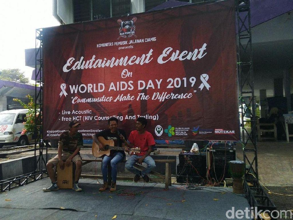 Pengamen Inisiatif Gelar Sosialisasi dan Tes HIV di Terminal Ciamis