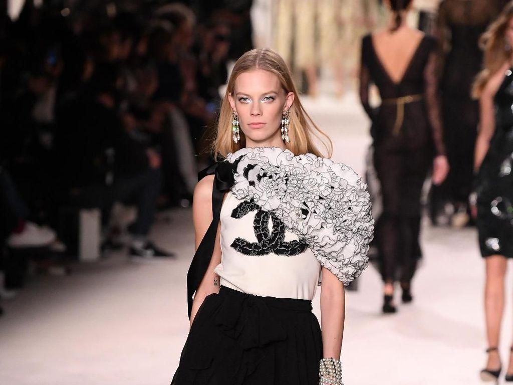 Giliran Chanel Bikin Masker untuk Krisis Virus Corona