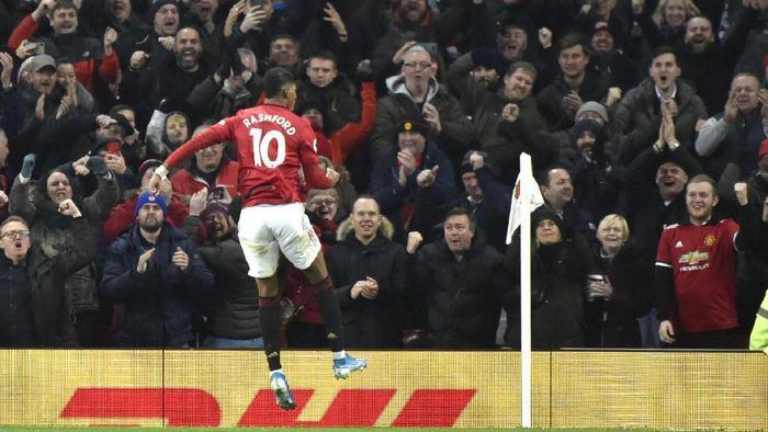 Marcus Rashford mencetak dua gol untuk membawa Manchester United menang atas Tottenham Hotspur. (Foto: Rui Vieira/AP Photo)
