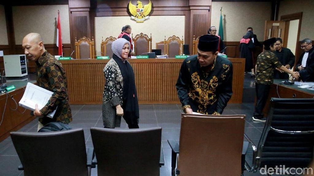 Achmad Junaidi dkk Dituntut 5 Tahun Penjara