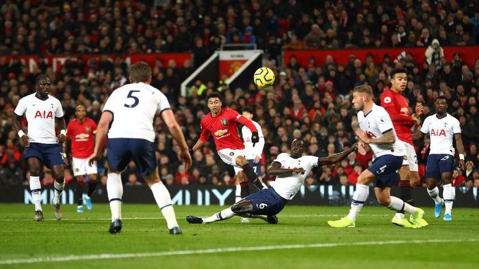 Manchester United vs Tottenham Hotspur imbang 1-1 di babak pertama (Foto: Michael Steele/Getty Images)