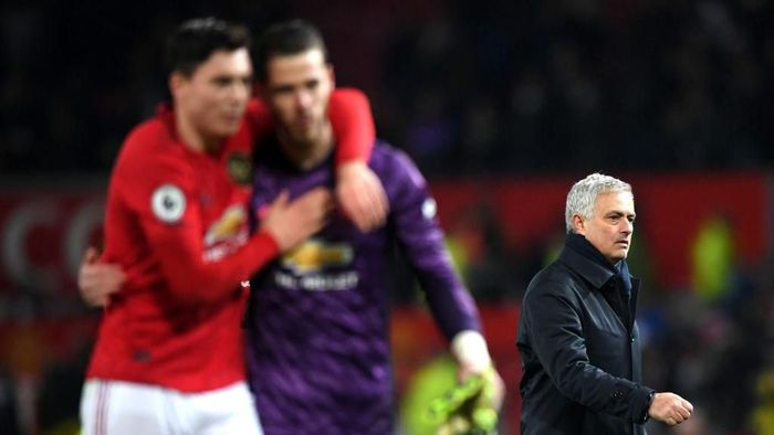 Jose Mourinho lanjutkan puasa kemenangan di Old Trafford. (Foto: Stu Forster/Getty Images)