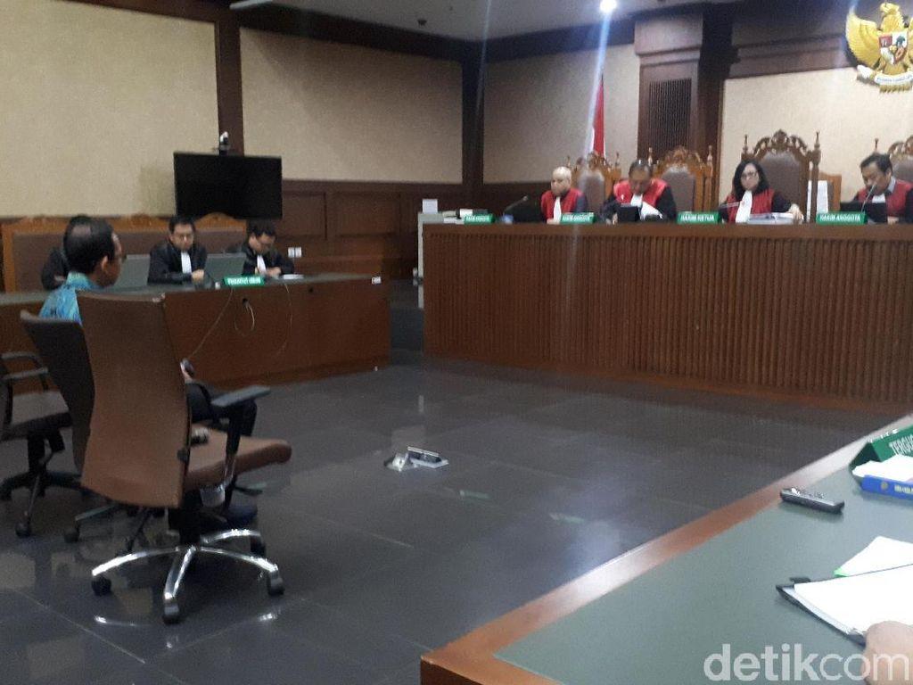 Hakim Tolak Eksepsi Wawan, Sidang Pencucian Uang Kembali Dilanjutkan