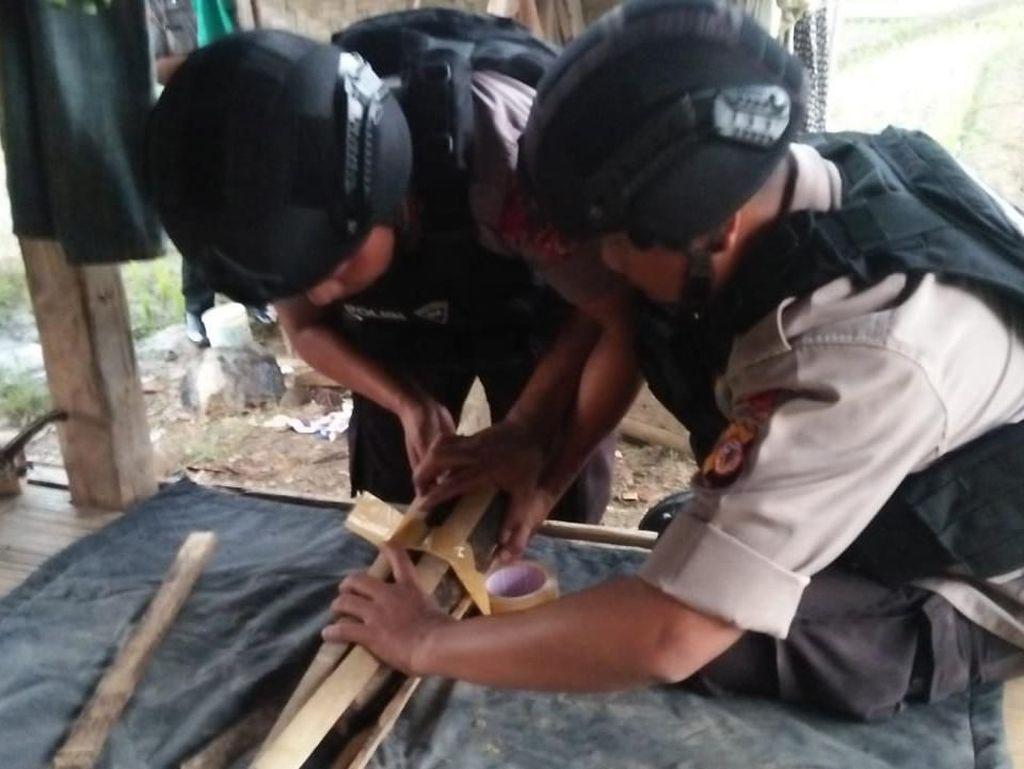 Petani Temukan 2 Bom Mortir di Sawah Cipeundeuy Bandung Barat