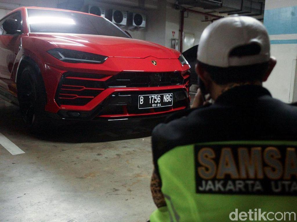 Lamborghini Urus Pakai Plat Palsu di Jakut, Bisa Dipenjara 6 Tahun