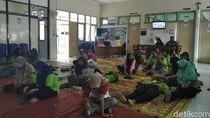 Diduga Keracunan Makanan, Puluhan Karyawan Pabrik di Sleman Dilarikan ke RS