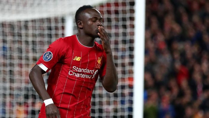 LIVERPOOL, ENGLAND - OCTOBER 02: Sadio Mane of Liverpool celebrates after scoring his sides first goal during the UEFA Champions League group E match between Liverpool FC and RB Salzburg at Anfield on October 02, 2019 in Liverpool, United Kingdom. (Photo by Clive Brunskill/Getty Images)