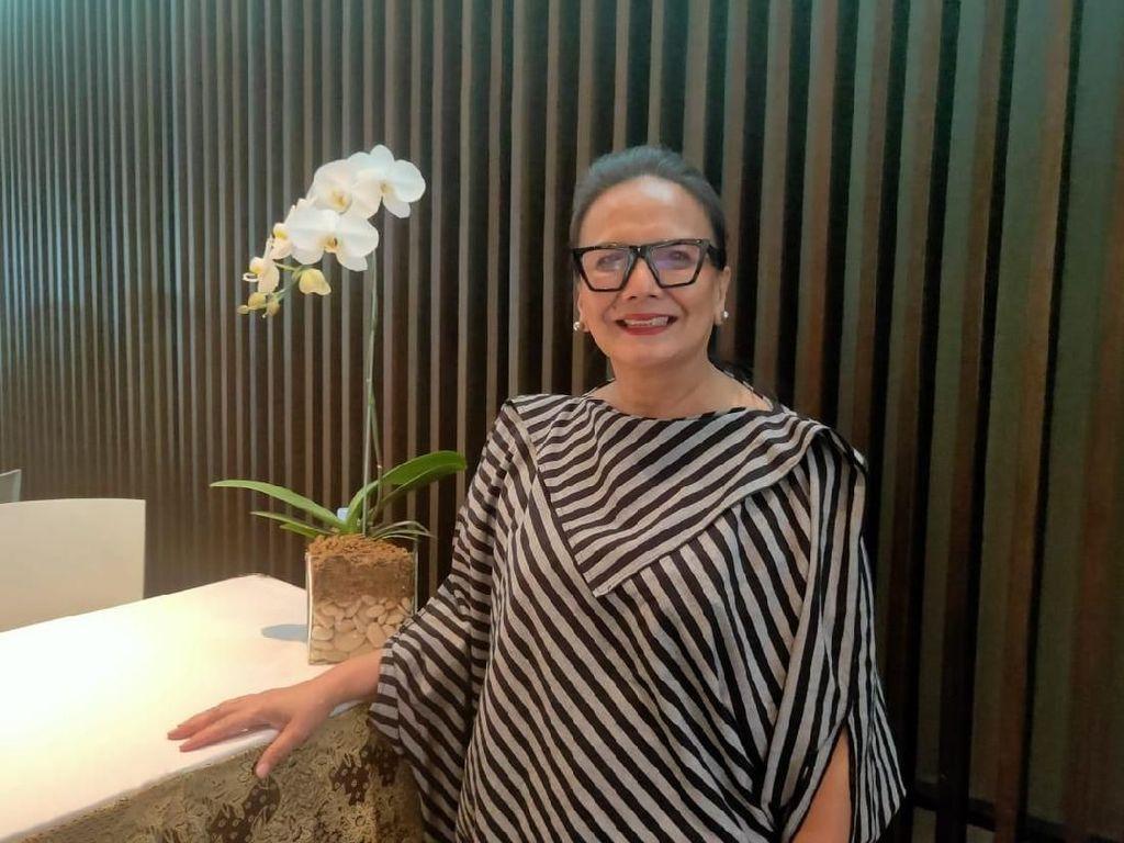Christine Hakim Jajal Panggung Opera