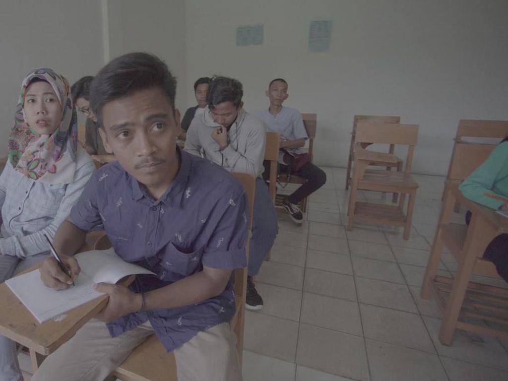 Cerita Firman, Buruh Serabutan yang Bisa Sekolah karena TCC