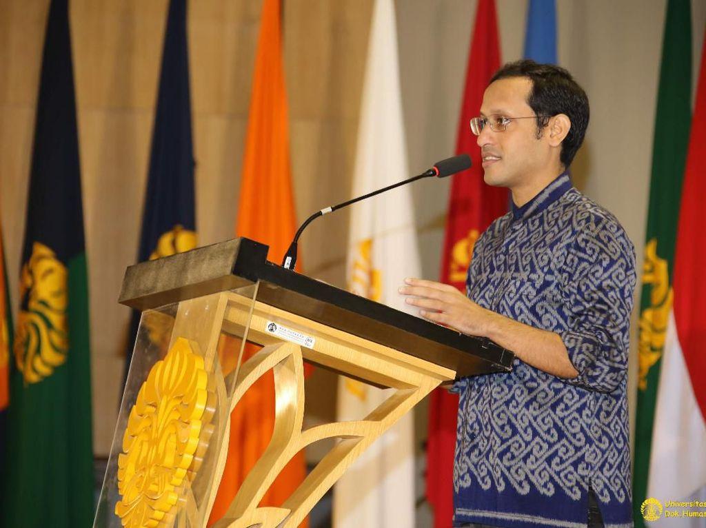 Dikritik Terlalu Santai, Begini Gaya Nadiem di Pelantikan Rektor UI
