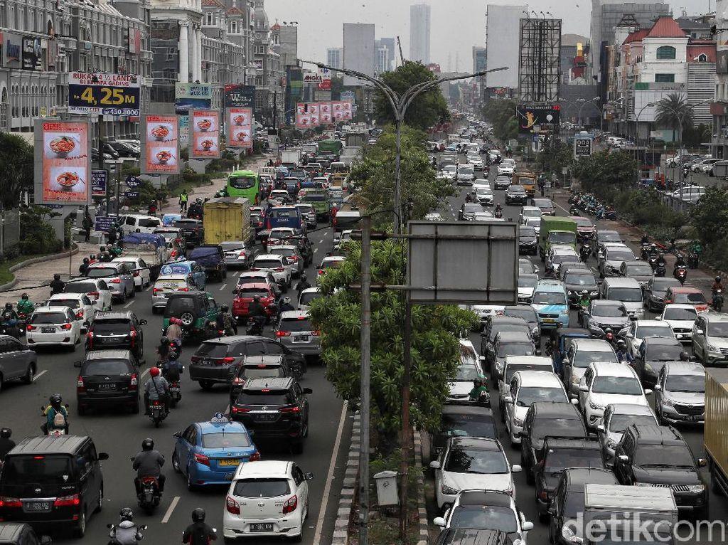 Potret Kemacetan di Kawasan Kelapa Gading
