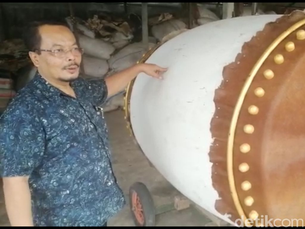 Warga Blitar Olah Limbah Bambu Jadi Bedug Seharga Puluhan Juta Rupiah