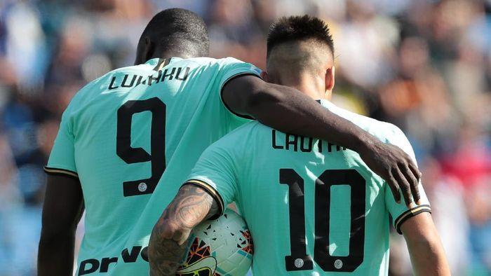 Duet Romelu Lukaku dan Lautaro Martinez jadi senjata Inter Milan di lini serang (Foto: Emilio Andreoli/Getty Images)