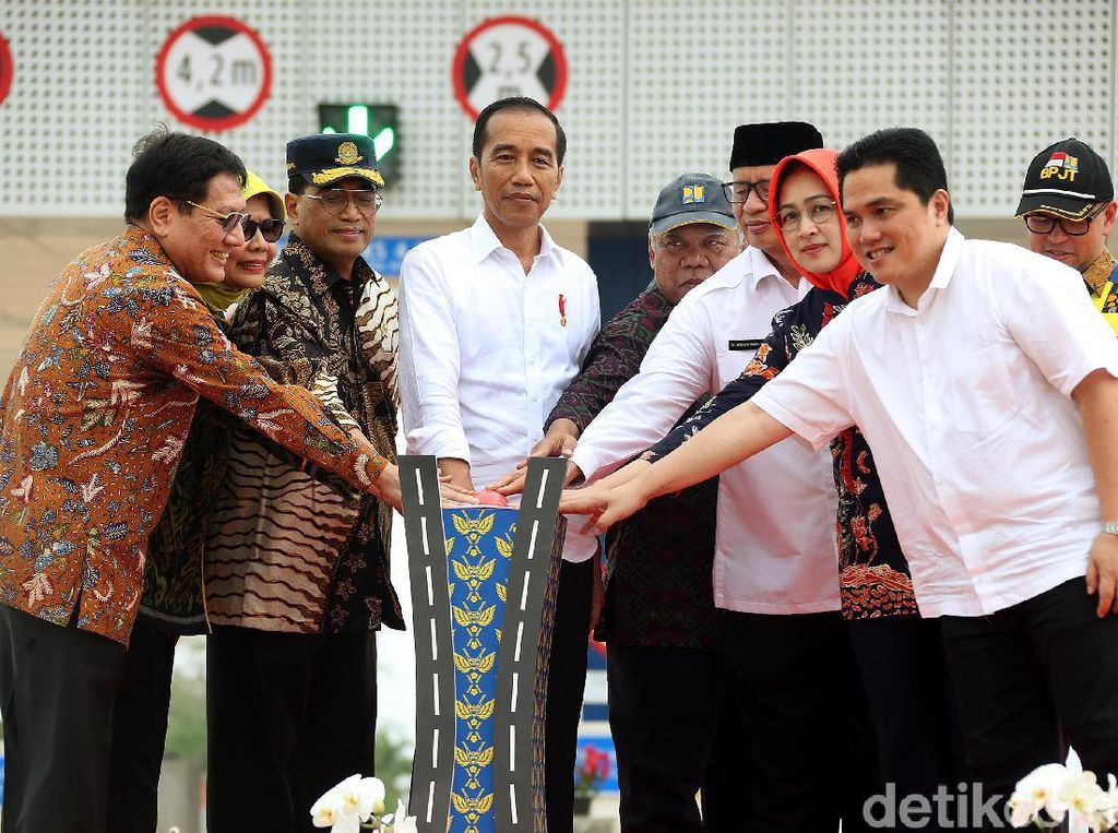 Momen Jokowi Resmikan Tol Kunciran-Serpong