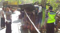 Truk Terguling di Jalur Pacitan-Ponorogo, Pengemudi dan Penumpang Terluka
