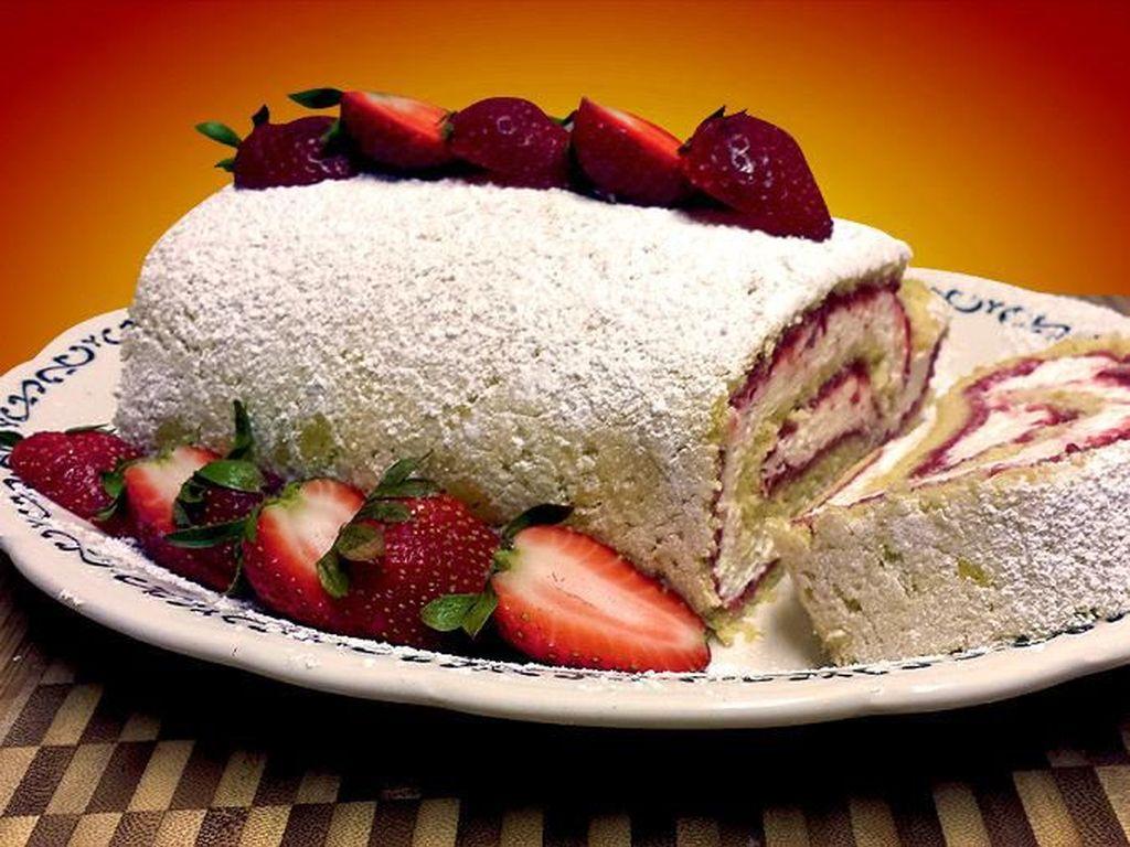 Sudah Ada Sejak Abad 19, Ini Kisah Menarik Swiss Roll Cake