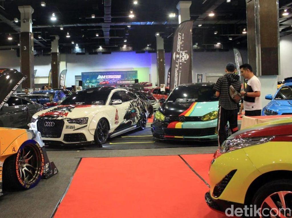 Ratusan Mobil Modifikasi Adu Ganteng di Malaysia