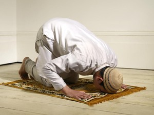 Doa Setelah Sholat Witir, Arab, Latin, dan Artinya