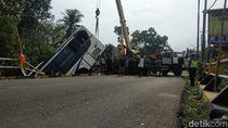Polisi Belum Bisa Pastikan Jumlah Penumpang Bus yang Terjun ke Sungai