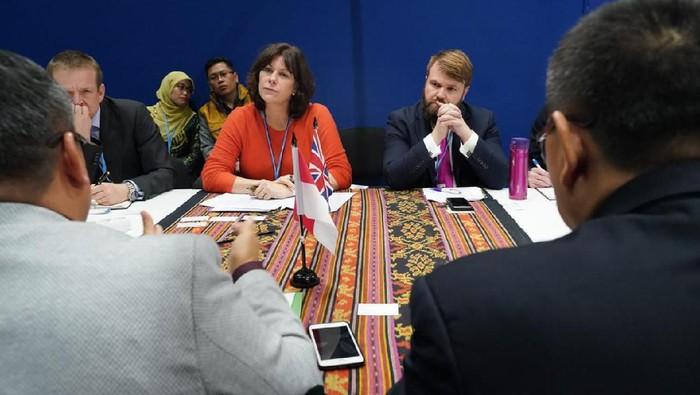 Pertemuan bilateral Inggris dan Indonesia di Sekretariat Delegasi RI di COP25, Madrid, Spanypl. (Dok. Sekretariat Delegasi RI)