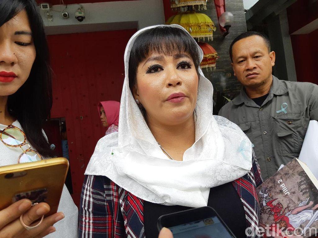 Dewi Tanjung Masih Ragukan Cairan Air Keras Teror Novel Baswedan
