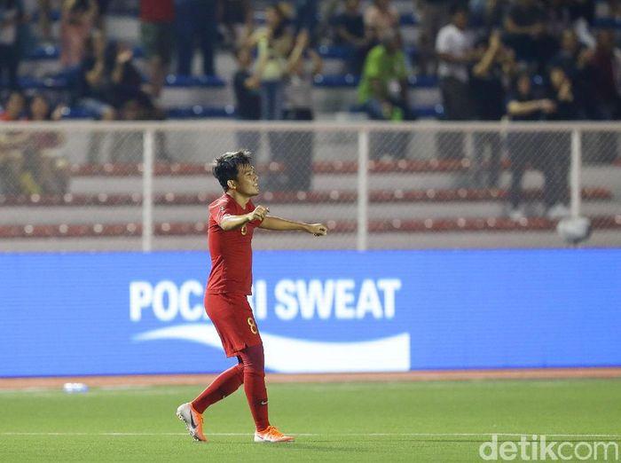 Pemain Timnas Indonesia U-22 sekaligus brand ambassador Pocari Sweat, Witan Sulaeman, meminta dukungan doa di final SEA Games 2019. (Foto: Grandyos Zafna/detikcom)