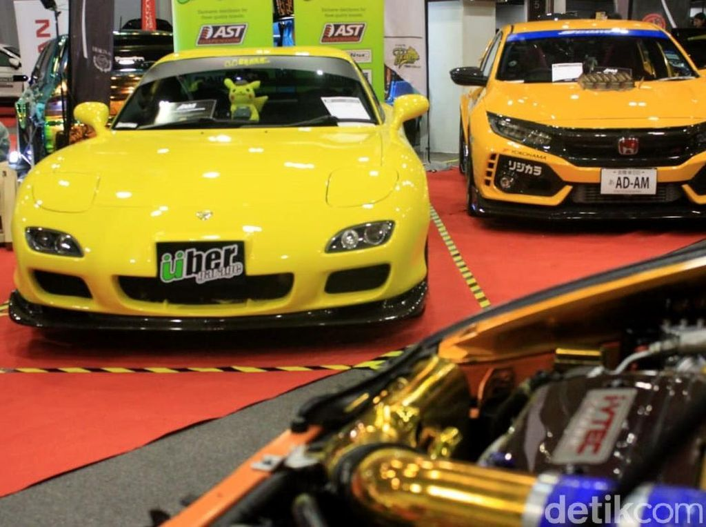 Adu Ganteng Mobil Modifikasi di IAM Malaysia