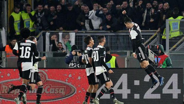 Cristiano Ronaldo merayakan golnya ke gawang Lazio
