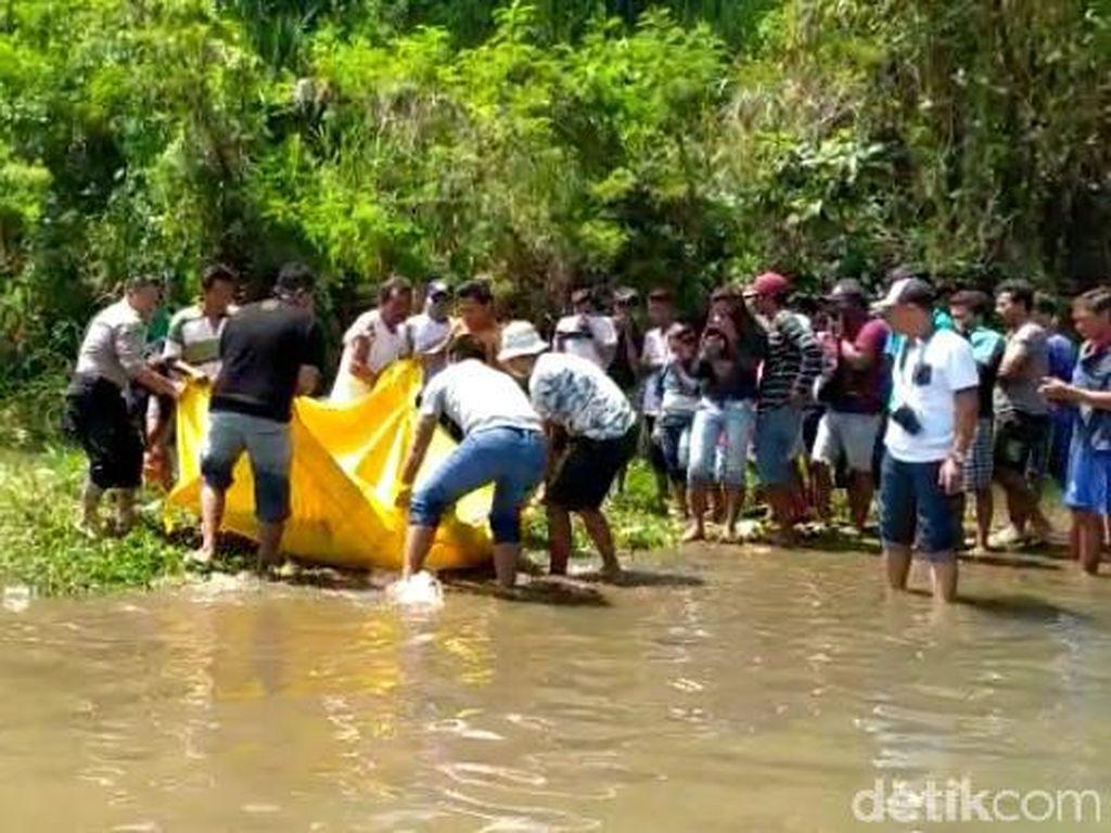 Mayat Pria Tanpa Busana Ditemukan Mengambang di Sungai Jember