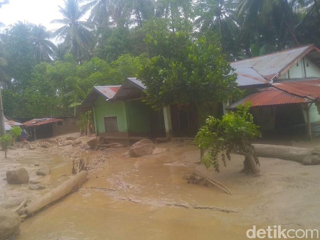 Sejumlah Rumah di Sigi Sulteng Terendam Banjir Lumpur