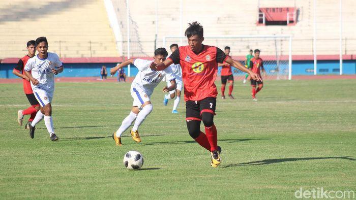 DIY mengalahkan Kalimantan Selatan di cabang sepakbola PraPon 2020 (Suparno Nodhor/detikSport)