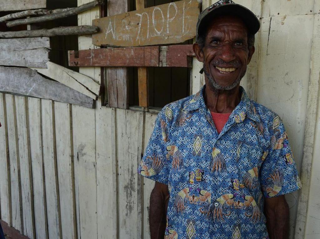 Nestapa Guru Pedalaman Papua yang Mengajar 6 Kelas Sendirian
