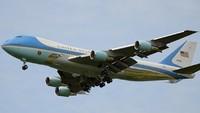 Ini Alasan Pesawat Kepresidenan AS Warnanya Biru Juga