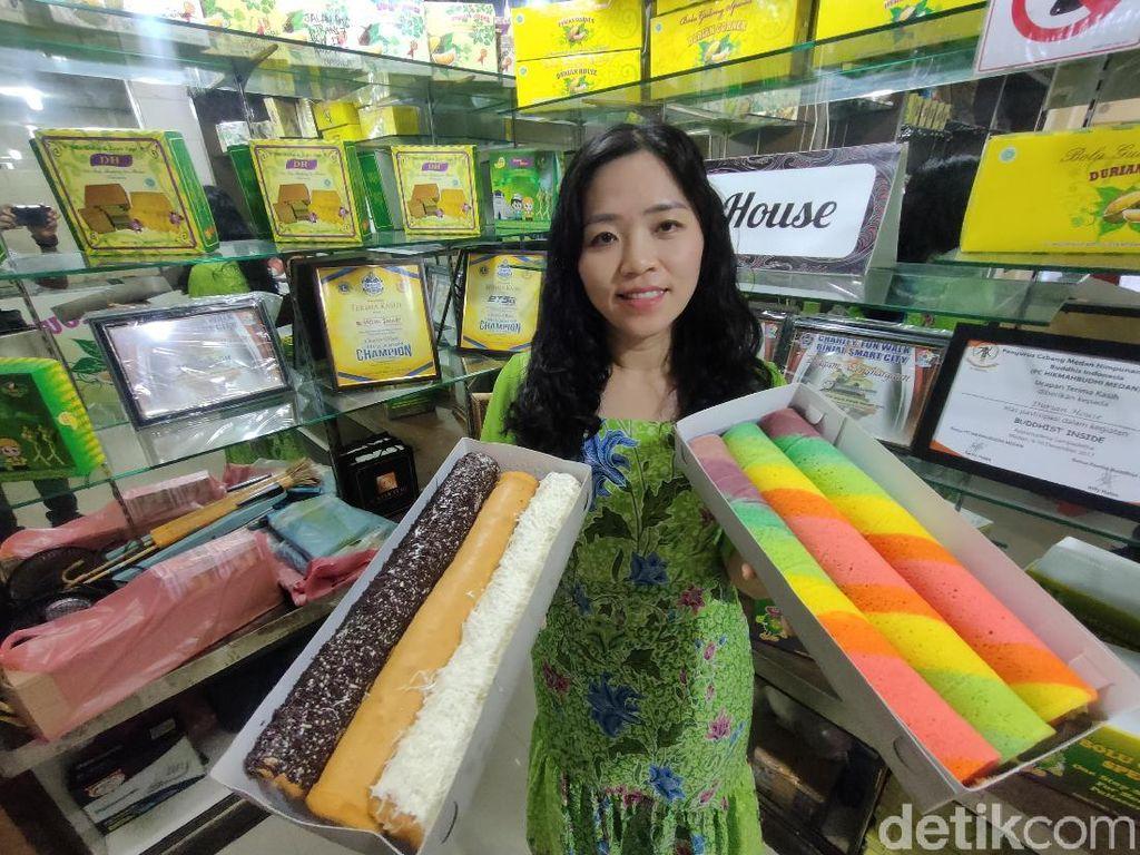Manis Wangi Bolu Gulung Beroles Durian Medan yang Mantap