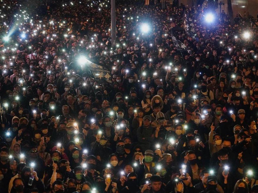 Lautan Manusia di Aksi Peringatan 6 Bulan Demo Hong Kong