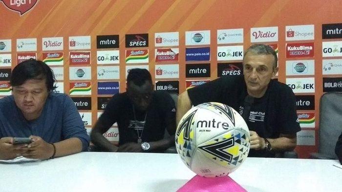 Arema FC digasak PSIS Smerang 1-5 (Eko Susanto/detikSport)