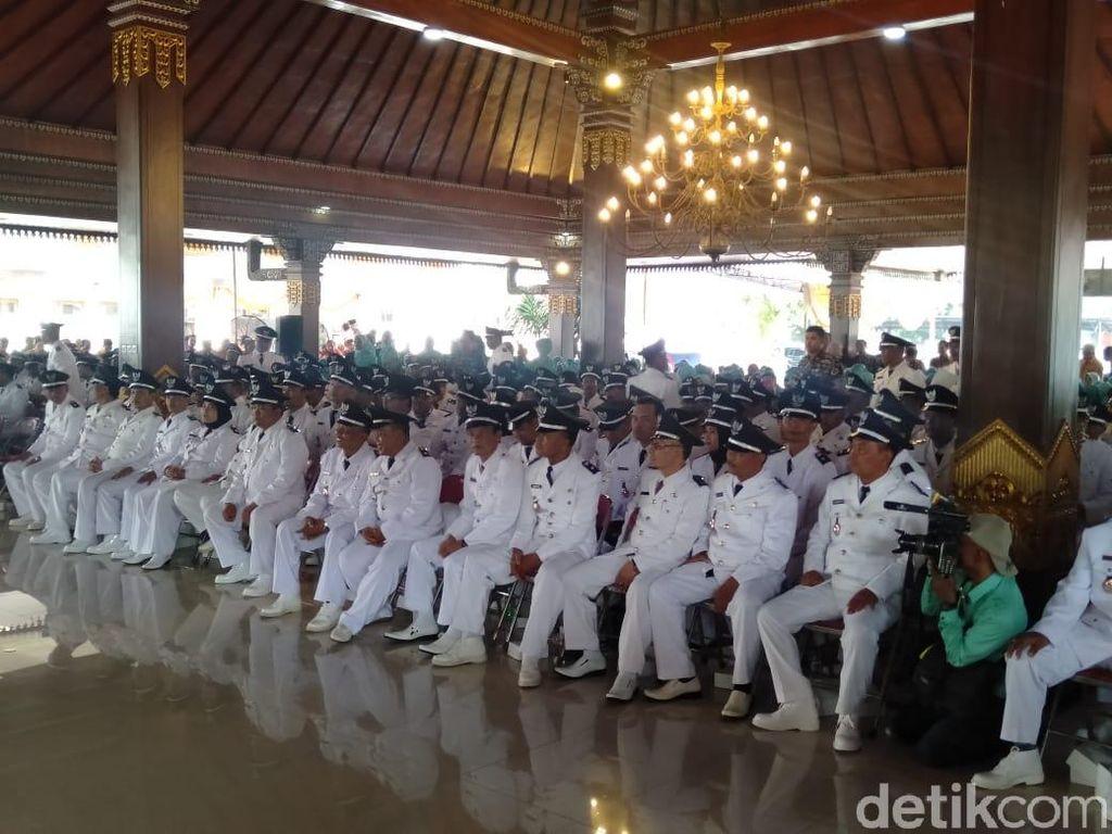 Hasil Pilkades 12 Desa Diprotes, Plt Bupati Mojokerto Tetap Lantik 251 Kades