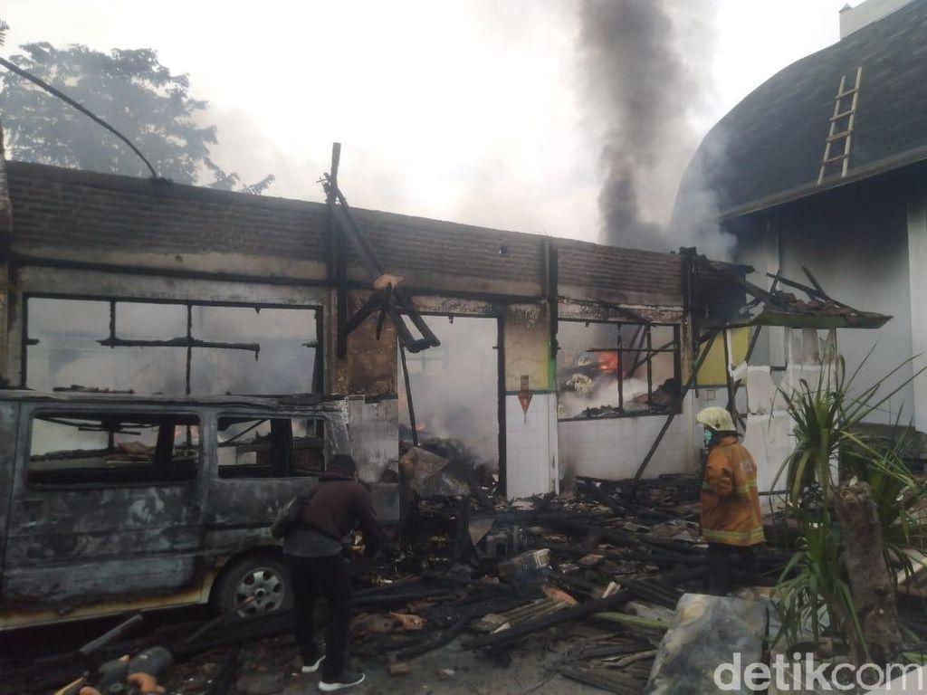 Gudang Farmasi RSUD Ploso Jombang Ludes Dilalap Api