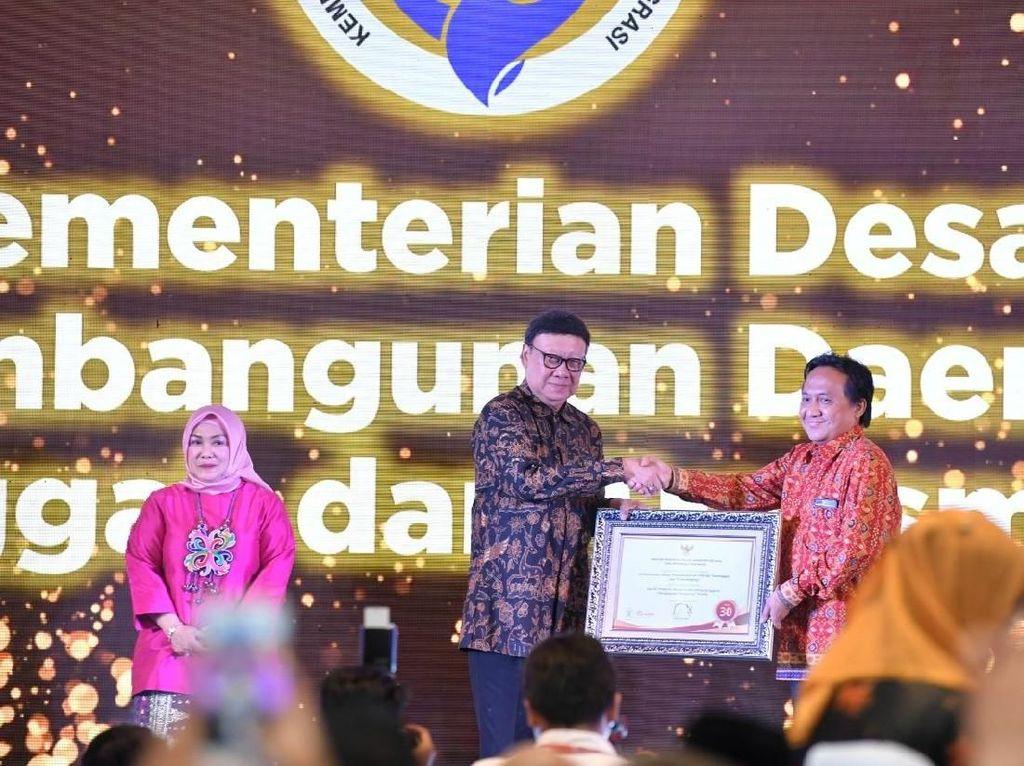 Kemendes Raih Penghargaan Pendorong Perubahan Terbaik