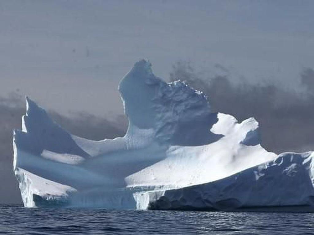 318 Gigaton Es di Antartika dan Greenland Mencair Tiap Tahun