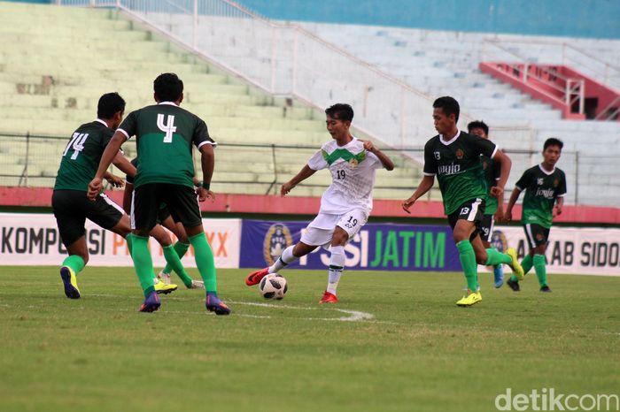Tim Jatim mendominasi permainan sejak awal pertandingan.