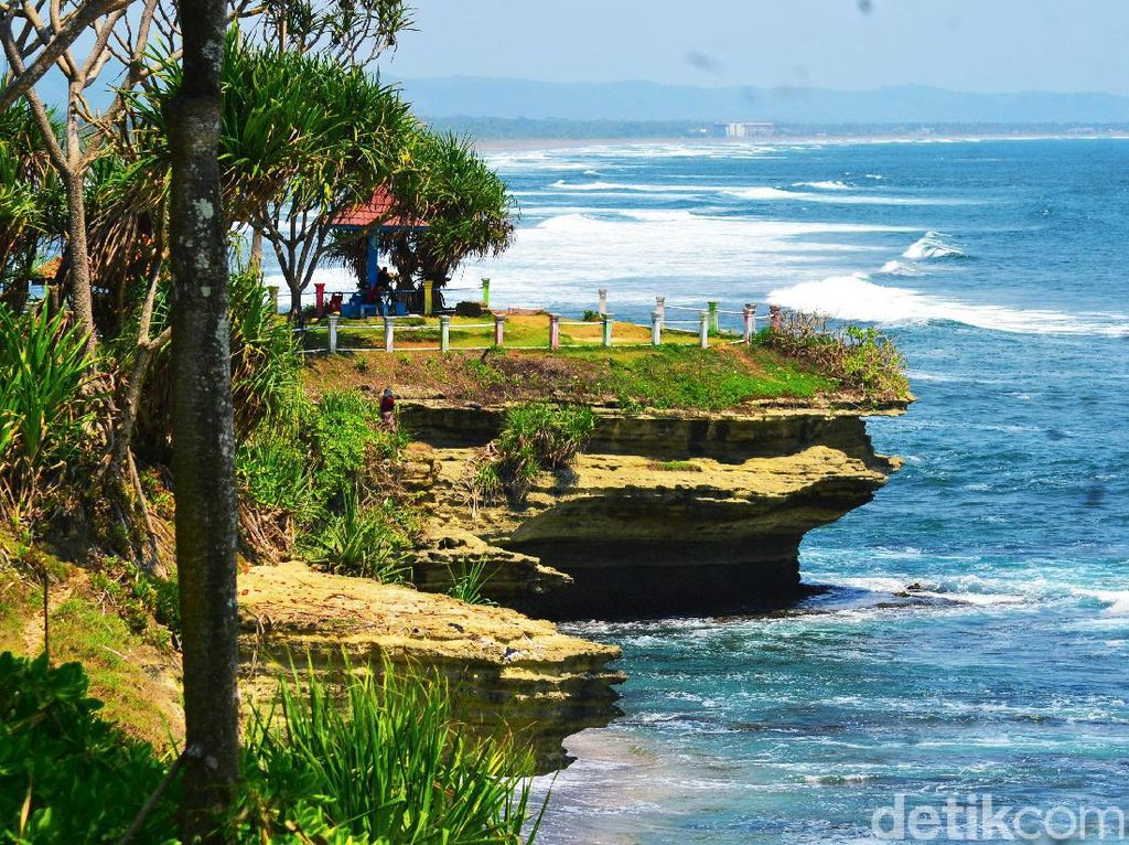 Foto: Tanah Lot ala Jawa Barat (Harusnya) Dirawat