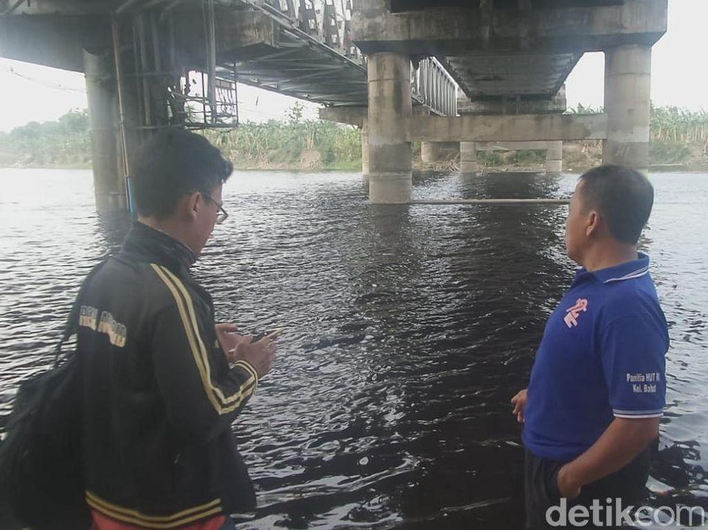 Sungai Bengawan Solo Menghitam, Indikasi Tercemar Limbah